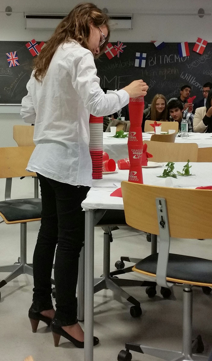 2i Dinner 2014 - More cup stacking competition