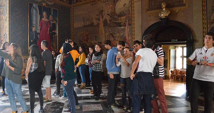 Besøget på Frederiksborg slot dokumenteres