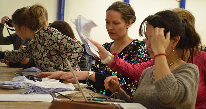 Fremmedsprogsfilmfestival 2015 - stemmesedler tælles sammen