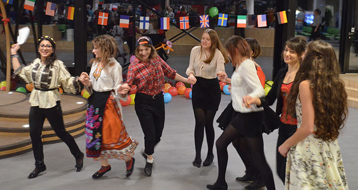 International Evening 2014 - Group dancing