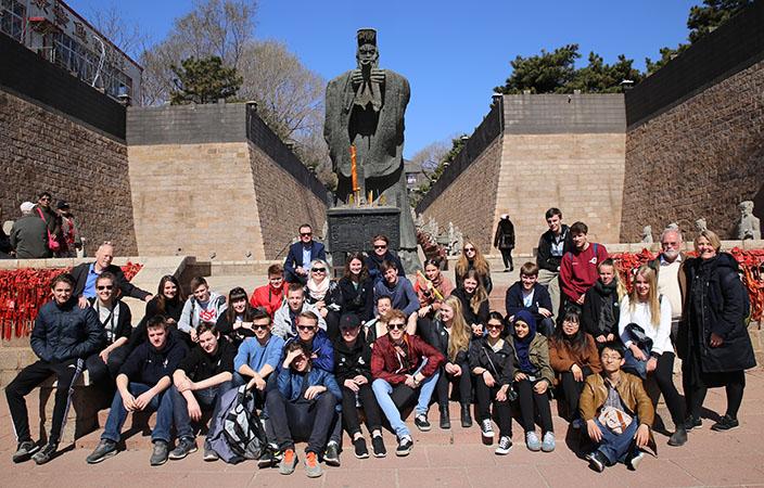 2k_i_Qinhuangdao_2015-StatueKejserQin